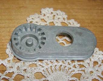 Vintage EYELET TEMPLATE for Sewing Machine