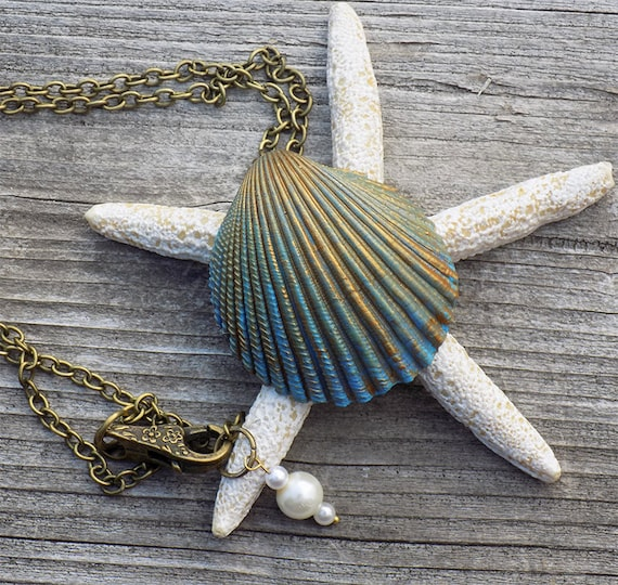 hand made painted seashell mermaid necklace
