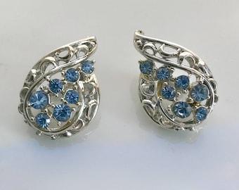 Coro crystal rhinestone blue ice clip earrings mid century designer jewelry