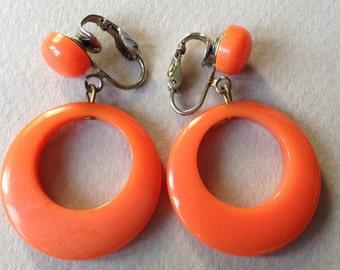 Bakelite Tangerine Dangle Hoop Clip On Earrings