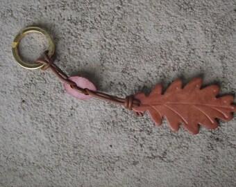 Keychain Briar oak leaf