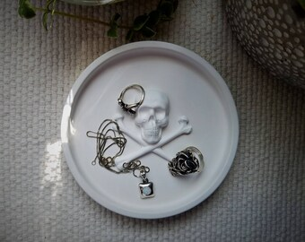Skull and Cross bones ring dish, Skull ring dish, skull jewelry dish, skull trinket dish, wedding gifts, dark decor