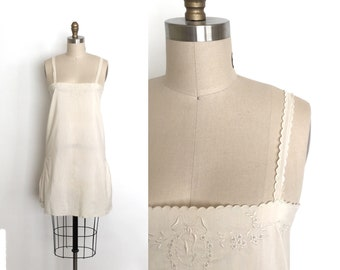 vintage 1920s slip | 20s scalloped and embroidered slip