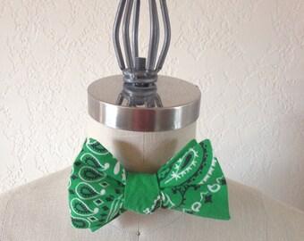 Self-Tie Adjustable Green Bandana Bow Tie Men/Women