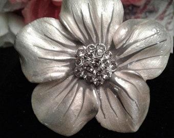 Weekend 10% Off Vintage Silver / Gray Rhinestone Flower Brooch