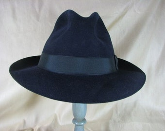 1950s Schiaparelli Navy Wool Felt Fedora  .......size 7.......  Fabulous Condition