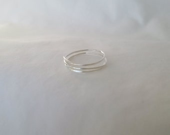 Dainty Silver Coil Ring with Hammered Shape and Mirror Finish
