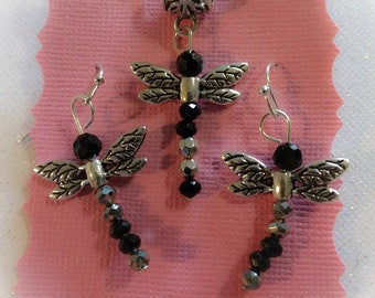 Beautiful Dancing Dragonfly Earrings with matching necklace