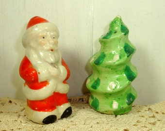 Vintage Christmas Salt and Pepper Shakers, Santa Claus, Christmas Tree, Ceramic, Holiday Kitchen Decor, Made in Japan  (849-15)