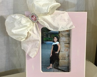Soft Pink 4x6 Frame with Ivory Jeweled Bow