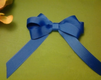Triple wing bow solid color single ribbon