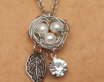 Silver Nest Leaf and White Pearl Necklace
