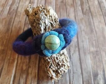 Winter gift for her, blue felted bracelet, turquoise bangle bracelet, hippie girls gift, present for blue lovers, boho accessory for women