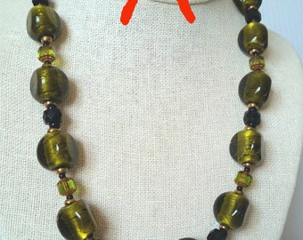 OLIVE GREEN SILVERFOIL Big Bead Necklace. Peridot Lime Green Short Necklace. Lampwork Murano Glass Bead Necklace with Copper Clasp.