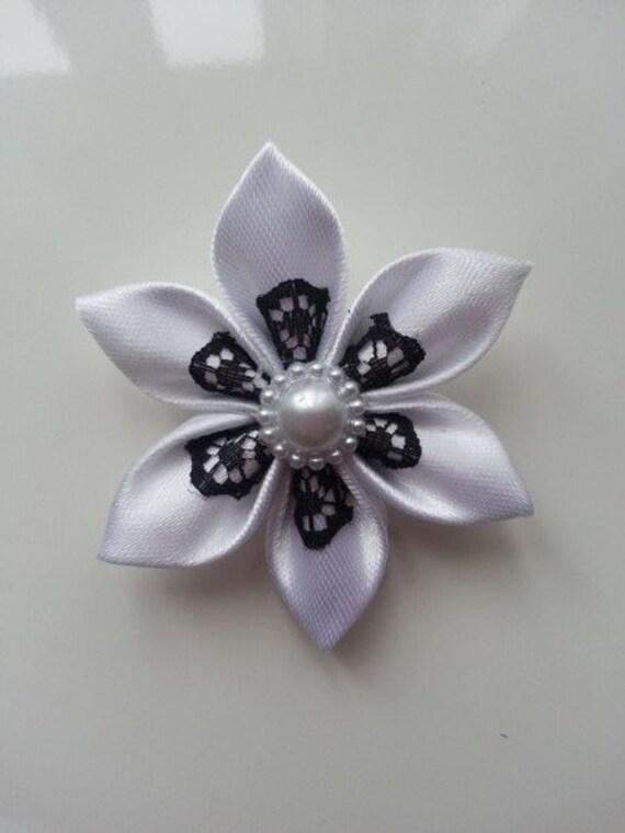 5 Cm Fleur Tissu Satin Blanc Et Dentelle Noire Petales