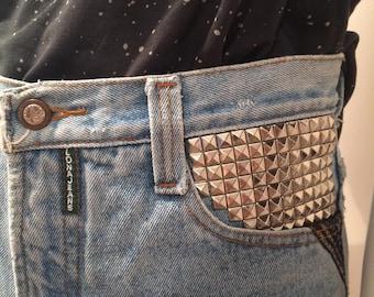 Lona high waist vintage studded denim shorts