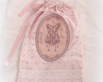Pouch for romantic shabby style lingerie