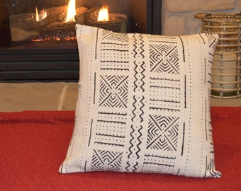 "18"" Black & White Mudcloth Pillow Cover; Bogolanfini Decorative Pillow, African Mud cloth Throw Pillow from Mali (BF1017)"