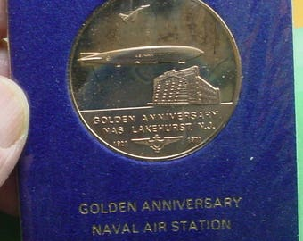 US Naval Aviation Medal ( 2 Blimps ) Lakehurst NJ  50th Anniv. 1921/1971 40mm Mint Condition proof like devices <>ETB6713
