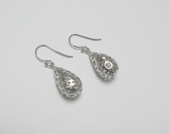 bubble earrings , silver drop dangle , tear drop earrings , silver drop earrings , bridesmaids earrings , lightweight earrings
