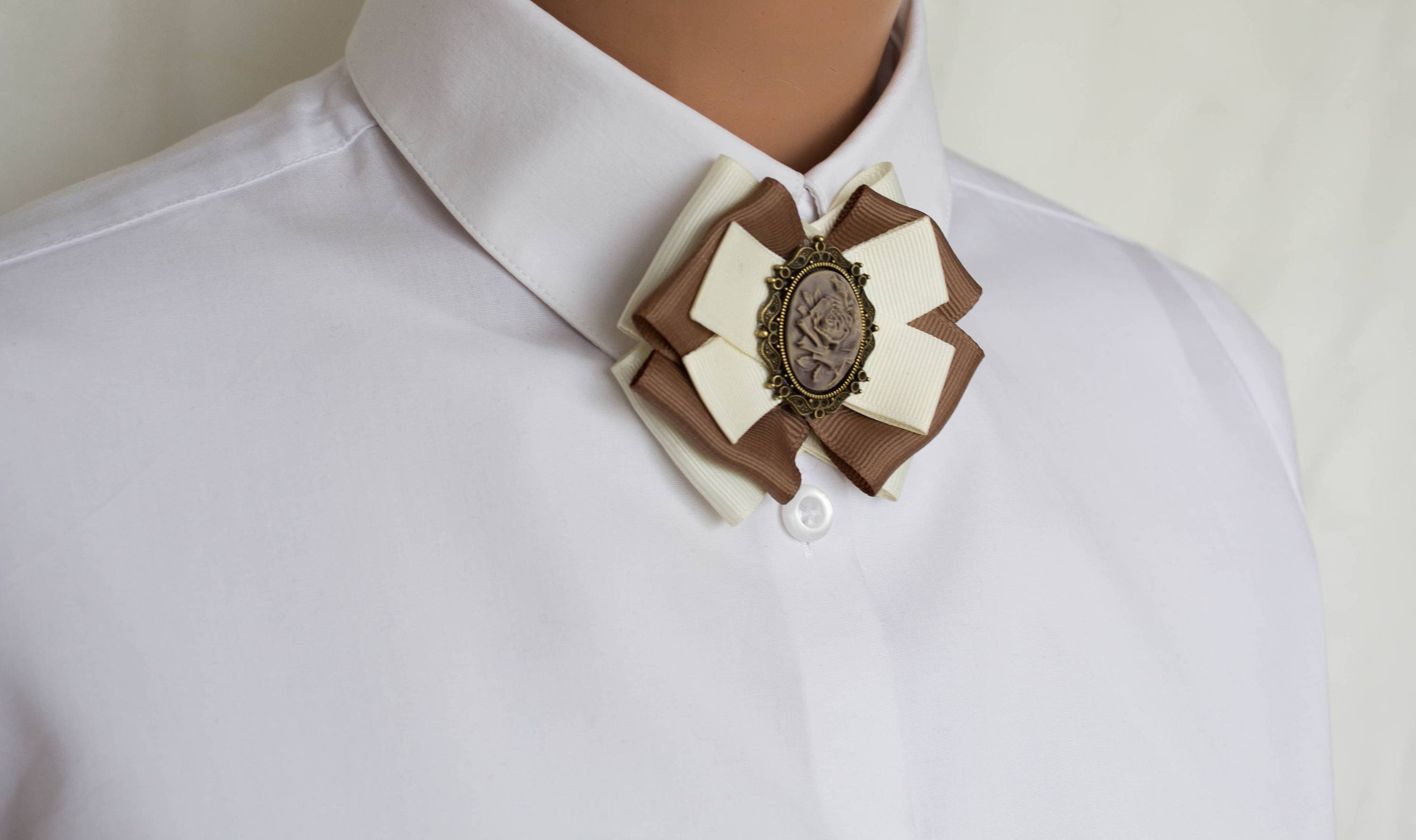 il zoom beige fullxfull brown rose collar brooch ribbon listing