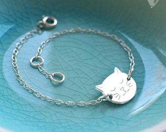 Personalised Sterling Silver Little Cat Face Bracelet, silver cat face bracelet, cat jewellery, gift for cat lovers, birthday gift