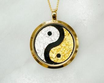 Australian 24 Carat Gold/Silver Leaf YinYang Pendant, Gold Necklace, Australian Souvenir, Gold, Gift, Gold Jewellery, Fashion Jewellery