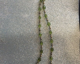 "21 1/2"" green necklace"