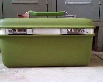 Avacado Green Train Case