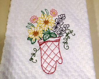 Embroidered Kitchen Towels, Tea Towels, Housewarming Gift, Mitt With Flowers Towels
