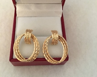 14K Fine Gold Triple Hoop Oval Ribbed Twist Diamond Cut Earring signed 14K Ma For Michael Anthony 585 Yellow Gold