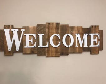 Rustic Wood Sign -Welcome- Large
