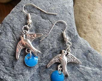 447 - earrings metal and swallows charms