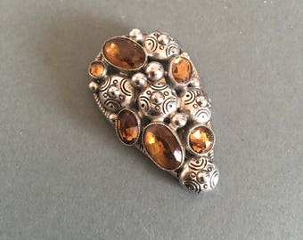 Dress Clip Vintage Champagne Amber Paste on Silver Metal Art Deco Look