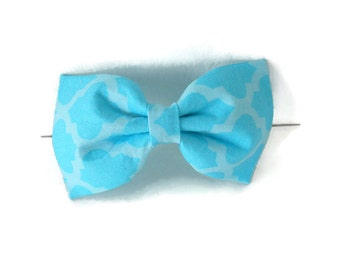 Blue quatrefoil dog bow tie, 2 tone blue quatrefoil bowtie, sky blue pet flower or bow, light blue quatrefoil collar flower, cat bowtie