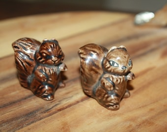 Vintage lot of 2 miniature squirrel figurine, brown glazed pottery