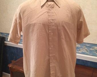 1970s Sport Shirt - Mens Tan Short Sleeve Button Down Shirt from Arrow size XL