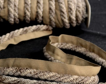 LF300N 421 Grey Taupe Classical Element Lip Cord
