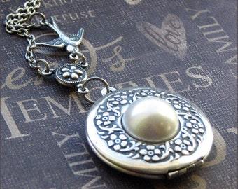 Silver Wreath Locket Necklace- Enchanted Bride - By TheEnchantedLocket