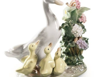 "Lladro Duck Porcelain Figurine ""How Do You Do?"""