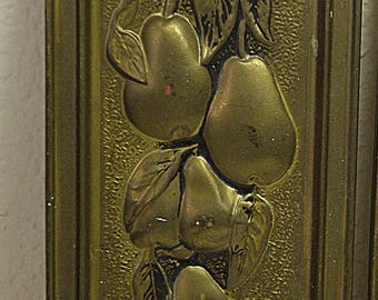 Pear...FRUIT wall hanging, metal, made in England