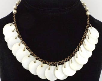 1930-40s Lovely Art Deco / Vintage Mother of Pearl Discs Necklace