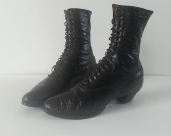 Edwardian / Victorian ankle boots, Antique lace up boots, size 7