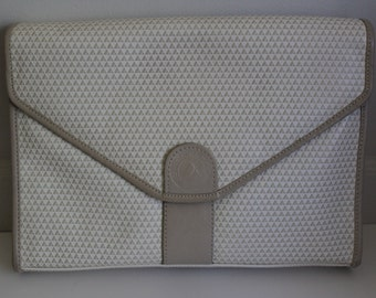 Liz Claiborne Cream Clutch