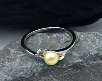 Yellow Cultured Pearl Ring Tiny Stars Sterling Silver Size 6.75