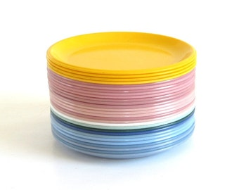 Rubbermaid Plates: Dinner Plates 3840, Luncheon 3838, Plastic Dishes Melamine