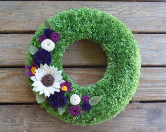 Green Yarn Wreath with Felt Flowers, Soft Green Yarn Wreath