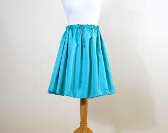 Reversible skirt with elastic waist