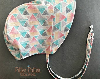 Modern Triange Baby Bonnet - Geometric Sun Bonnet -  Reversible Bonnet - Boho Baby Sun Hat  -Pink Toddler Sun Bonnet - Modern Baby Girl Gift