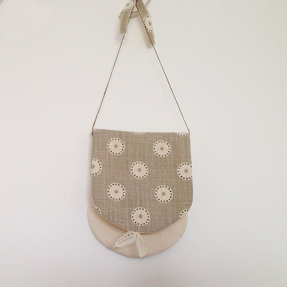 Hand-sewn linen pouch for hanging up (Vanessa Arbuthnott linen and organic cotton)